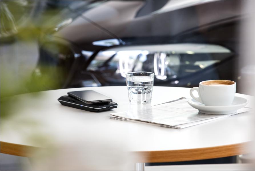 Nowość: Bezprzewodowa ładowarka BMW z Powerbankiem